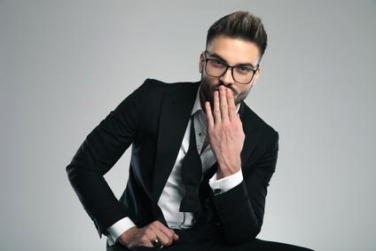 Beim flirten die körpersprache von männern lesen